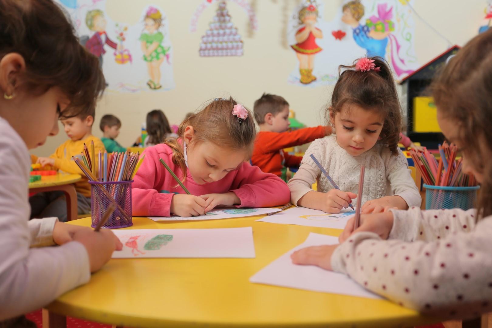 Воспитание и образование на деца 2-3 години