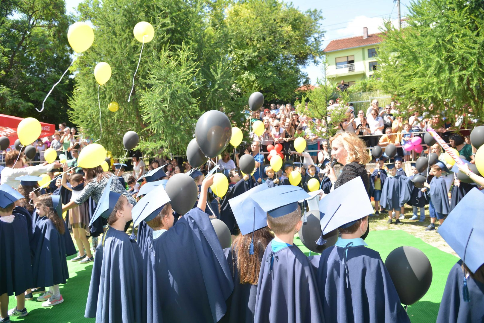 Мини забава за мини матуранти во објект Пчелка