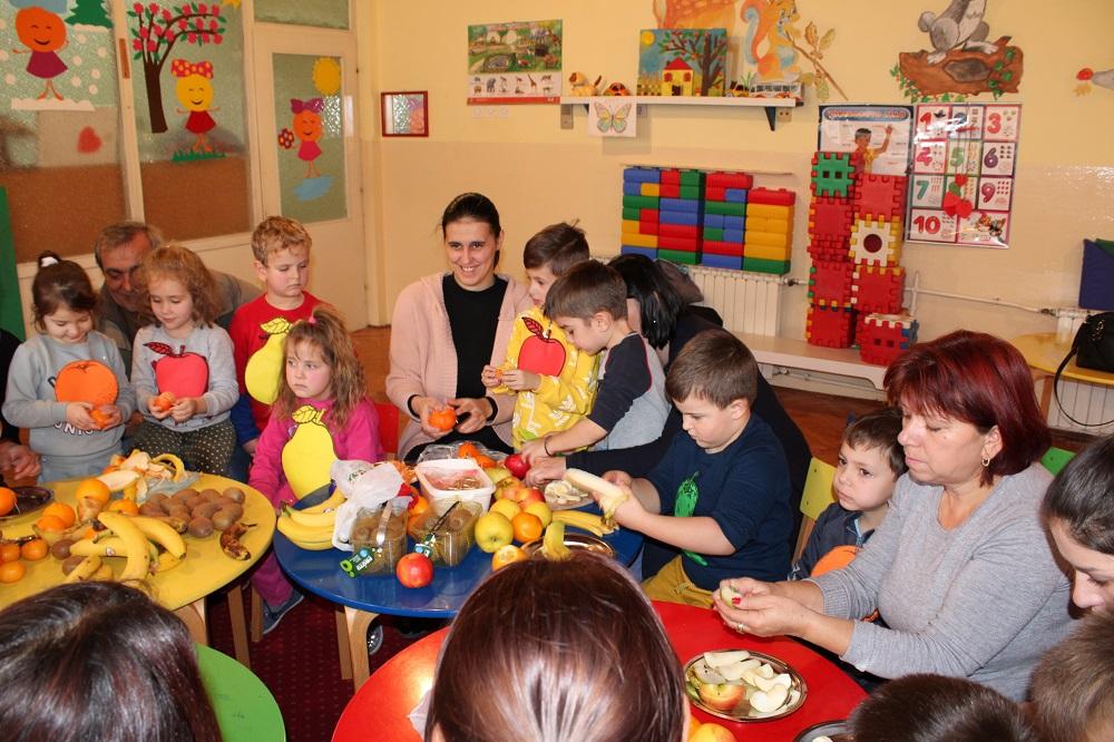 Есенска семејно креативна работилница – објект Славејче